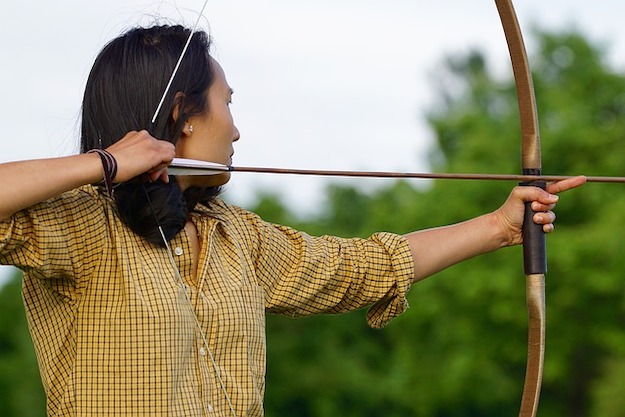 [Watch This] Go Bow Hunting With A Homemade Longbow
