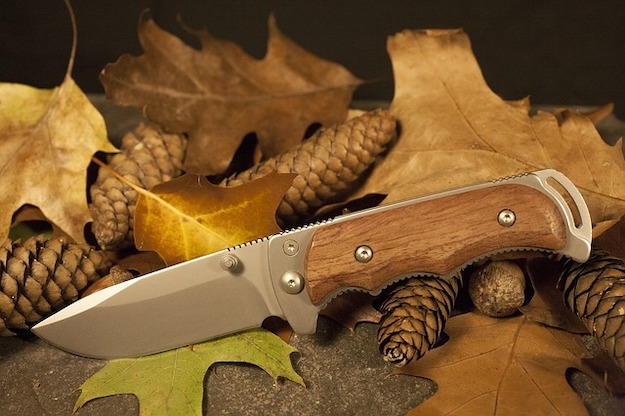 [Watch This] The Best Skinning Knives For Deer Hunting