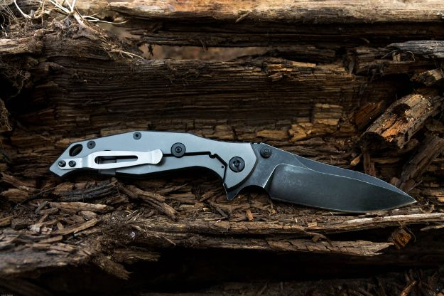 [Watch This] The Best Hunting Knives Under $50