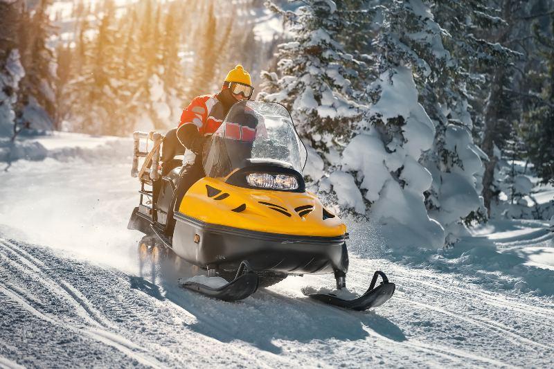Snowmobile Driving | Snowmobiling