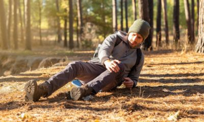 young-upset-man-having-trouble-feeling | Hiking Safety Tips: What To Do When You Have Knee Pain On Trail? | Featured